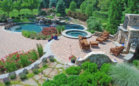 Utilizing a Landscaper to Design Your Yard