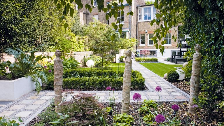 5 things to consider when you are planning to landscape your garden in a totally new style